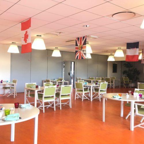 La salle à manger décorée pour le 75ème anniversaire du débarquement